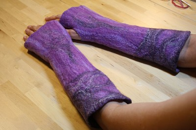 FREE Wet Felting Tutorial: Wrist Warmers